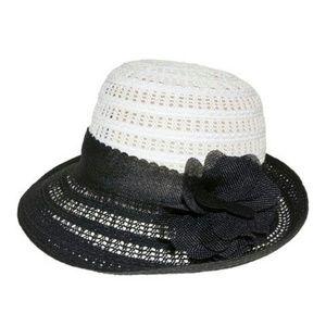 Black & white color block flower pin hat